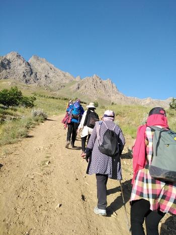 آموزش عملی کوهپیمایی در مسیر پریشان
